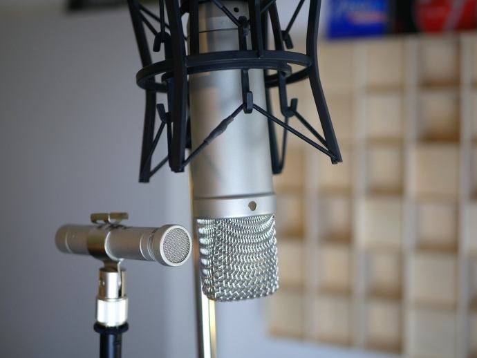 Groß- und Kleinmembran Kondensatormikrofon